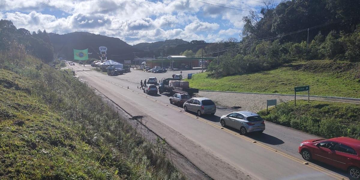 Após protestos e bloqueios por caminhoneiros, rodovias do RS começam a ser liberadas