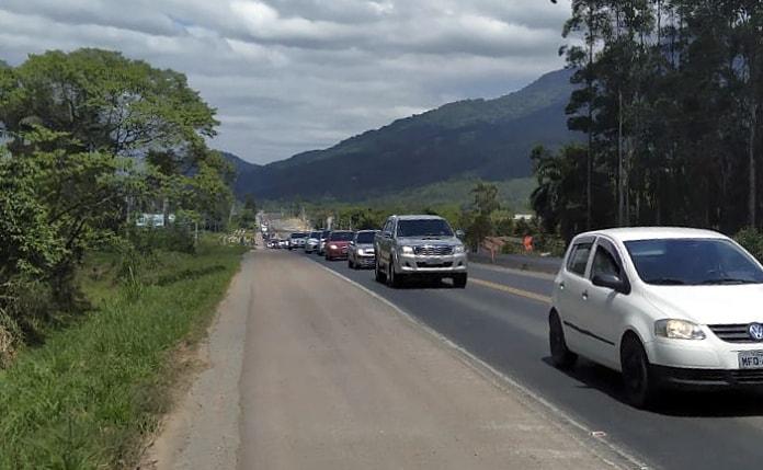 O 1º Batalhão Rodoviário da Brigada Militar alerta para cuidados nas rodovias no Feriado