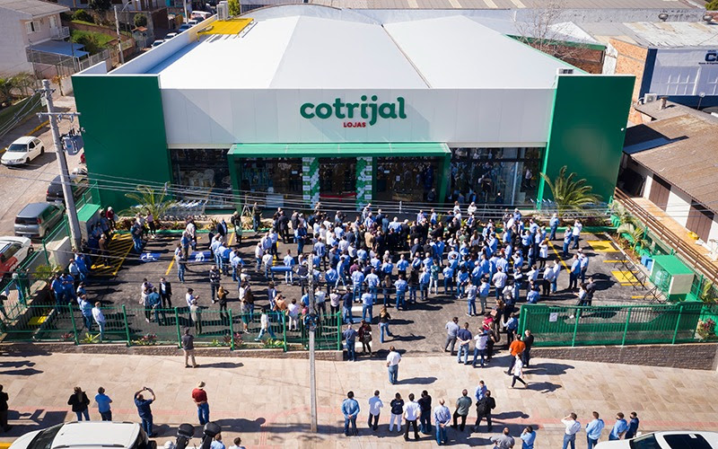 Cotrijal inaugura sua nova loja em Passo Fundo