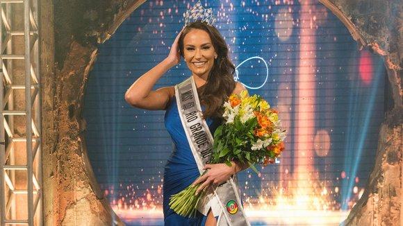 Suellyn Scheffer é eleita Miss Rio Grande do Sul 2021