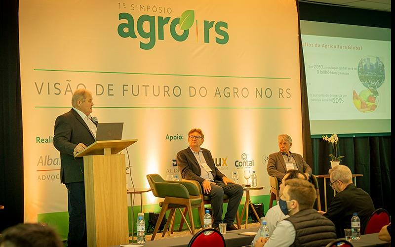 Cooperativismo é o caminho para o agro avançar, diz presidente da Cotrijal em simpósio