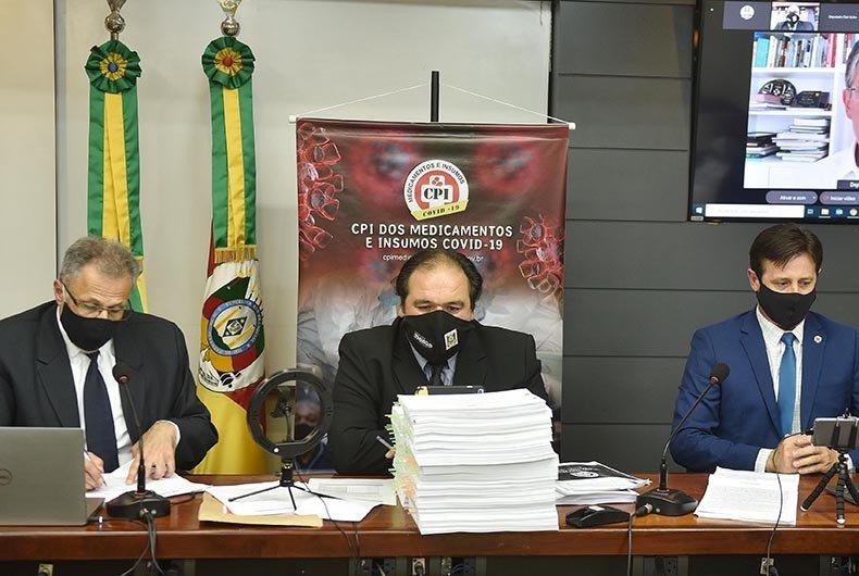 CPI dos medicamentos sugere indiciamento de três farmacêuticas e 68 distribuidores